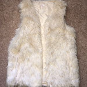 Xhilaration off white faux fur vest